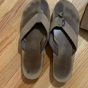 Rainbow thong sandal size medium 8-9